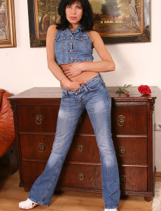 Brown Haired Mummy in Blue Denim Gets  Bare for Us in Here
