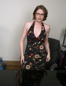 38 Year Old Business Lady with a Very Wooly  Snatch  Opens