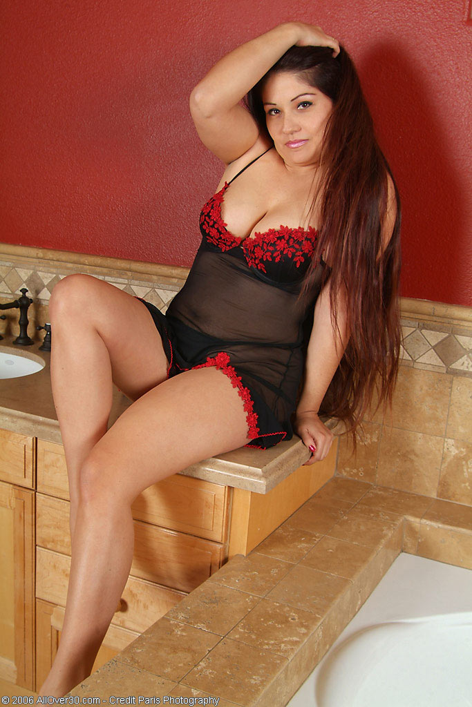 Exotic Long Haired  Brown Haired Glides out of Her Undies for Us