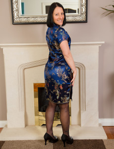 Brown Haired Marlyn Gets Hot in Her Office and Opens Open