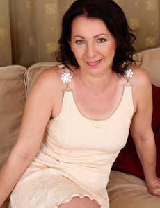Hot and Furry  Beaver and Pits on Gorgeous 50 Year  Mom Old Anna B