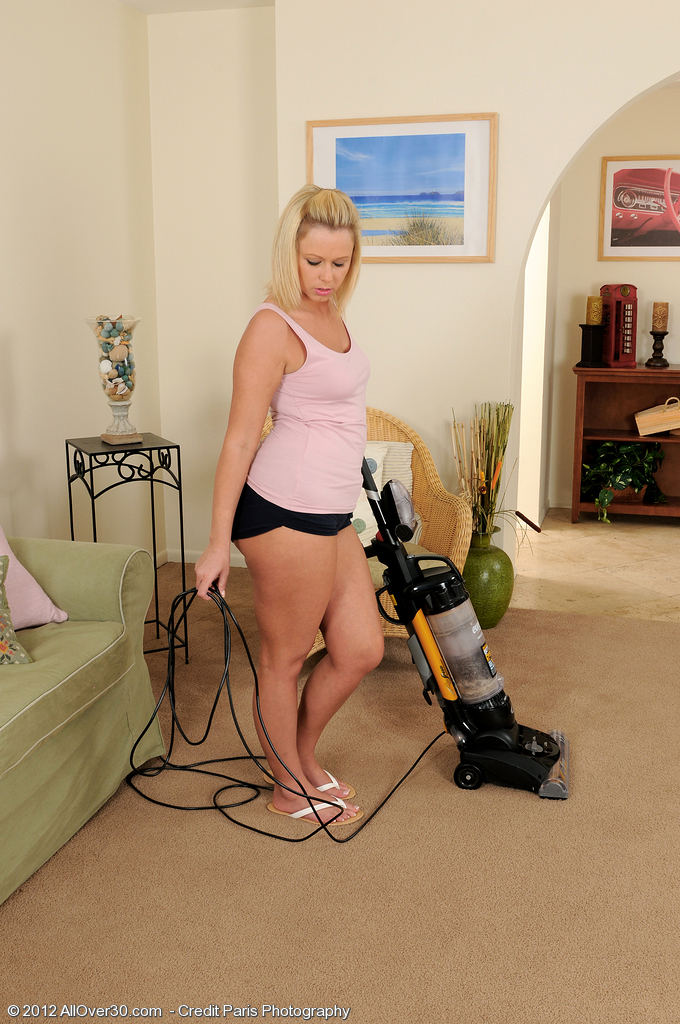 32 Year Old Anna Joy from  Milfs30 Making Housework Look Fine