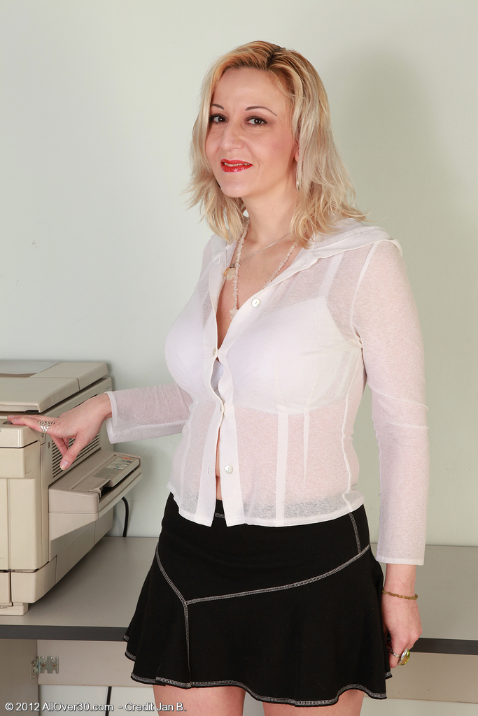 Big Breasted  Blond Haired 35 Year Old Brenda  Undresses and Pulls at Her Fat  Cunt