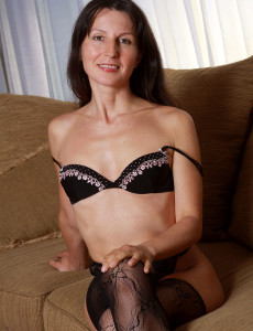 Thin 41 Year Old  Cougar Carment T Preads Her Lacey Gams Wide Here