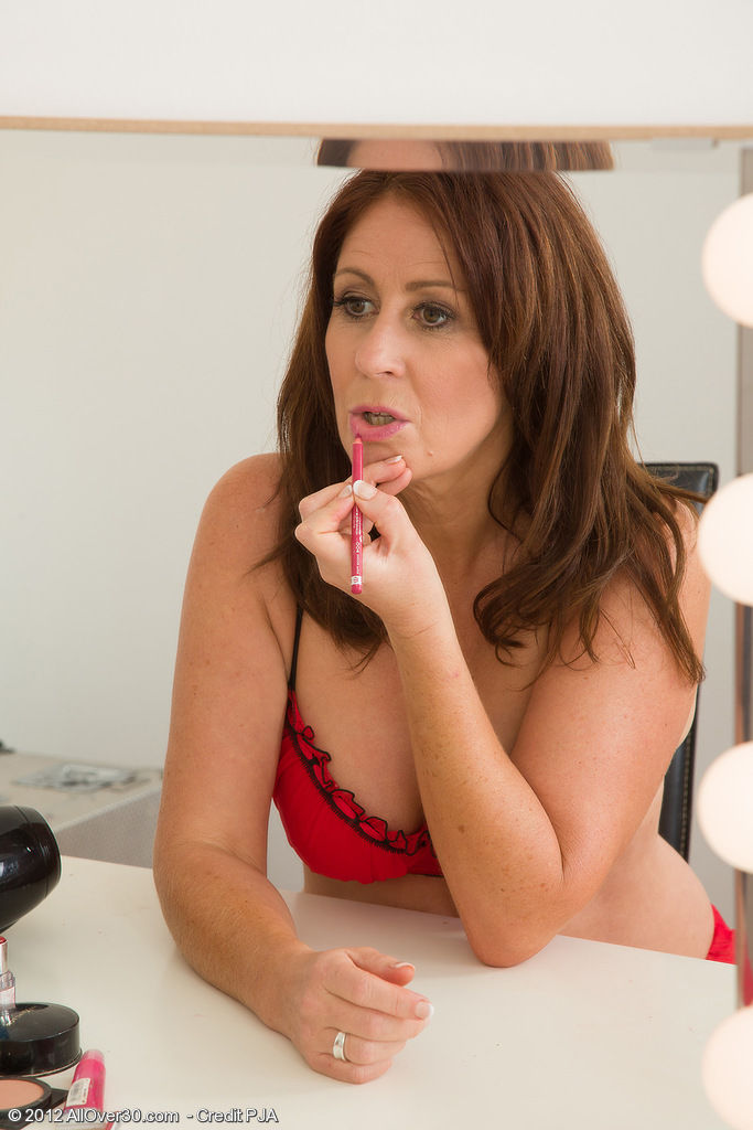 47 Year Old Carol Foxwell Fondles Her  Cunt at the Make-up Table