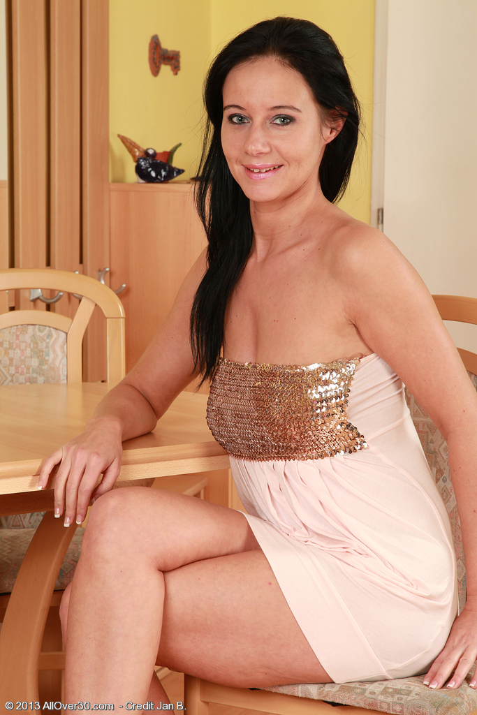 Super  Super Insatiable  Brown Haired  Mom Enza from  Milfs30 Glides out of Her Evening Gown