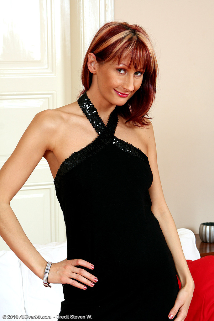 Elegant  Mom Erica H  Takes off off Her Evening Gown and Shows Her Puss