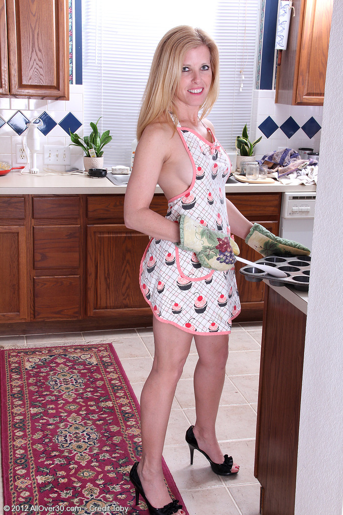 Magnificent  Wifey Gail Gets Things Warmed Right Up in the Kitchen