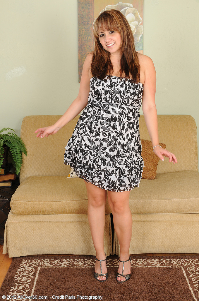 Elegant Looking Jessica Zara Glides out of Her Dress to Show off for You