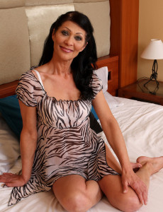 Super  Super Nasty 52 Year Old Kitty S Liking Her Vibing Blue Dildo in Here