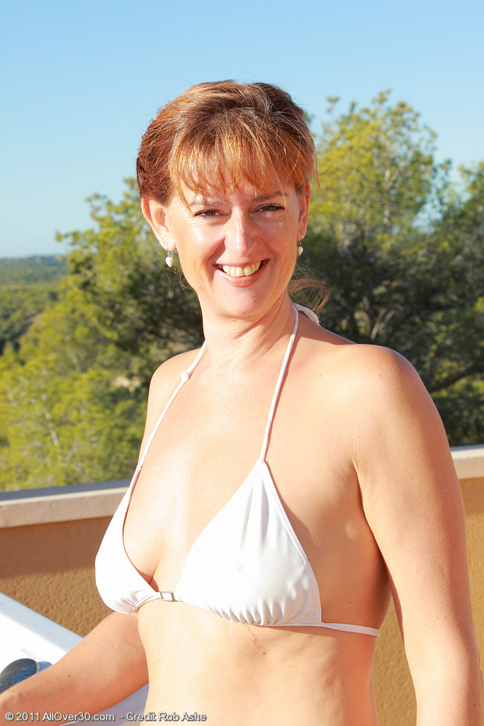 Redheaded  Cougar Liddy from  Milfs30 Decides to Go Thin Dipping