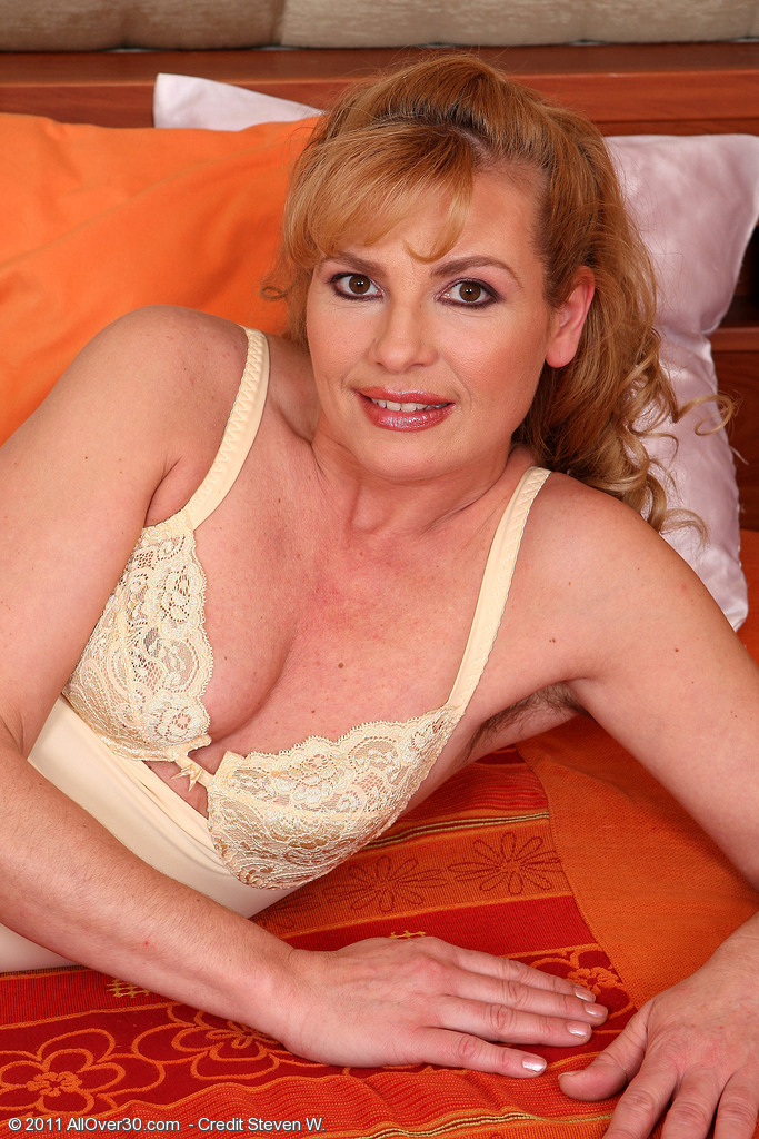 Super  Super Insane and Hairy Liz M from  Milfs30  Opening Up Broad in This Series