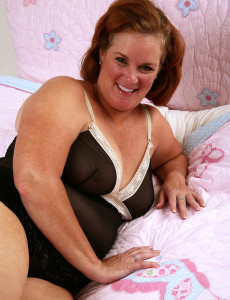 49 Year Old and  Massive Breasted  Cougar Lucy a Spready Her Wooly  Twat in Here