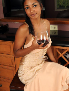 Thin and Elegant Neela from All over 30  Opens Open Her  Cunt