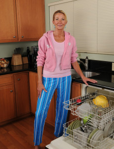 Super  Super  Super Horny Old 56 Year Old Pam   Opens Her  Older  Hoo Ha in the Kitchen