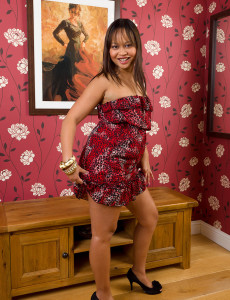 Elegant and Exotic Princess D Exposes Her Hot  Older Babe  Vulva in Here