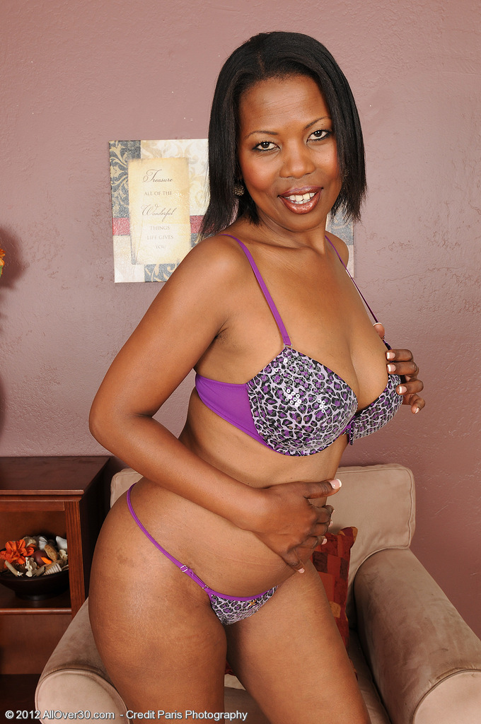 Older Stunner and Exotic Sapphire from  Milfs30 Strutting Her Superb Ebony  Rump