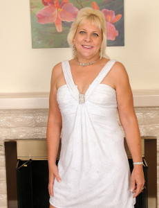 53 Year Old Sindy Silver from  Milfs30 Removes Her Knickers and  Opens