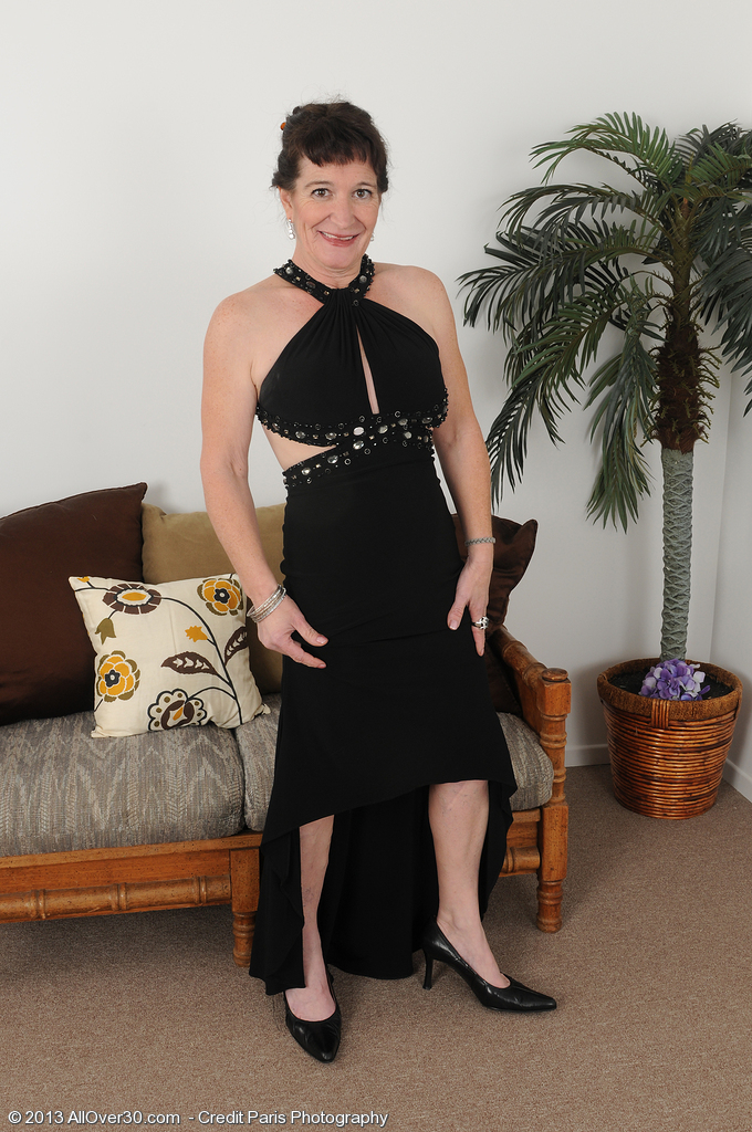 Elegant 50 Year Old Annad from  Milfs30 Shows off Her Bald  Twat