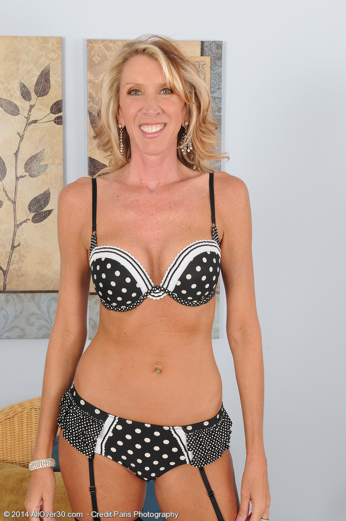 Hot Blond Haired 45 Year Old Brynn Hunter Glides out of