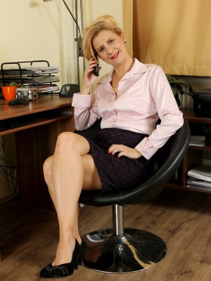 43 Year Old Office Milf Katriss from  Milfs30 Taking a Nude Break