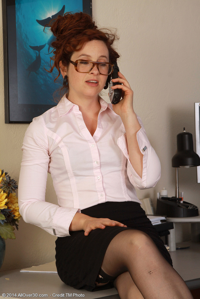 Red Headed Fiona from Milfs30 Gets Crazy During a Phone Call