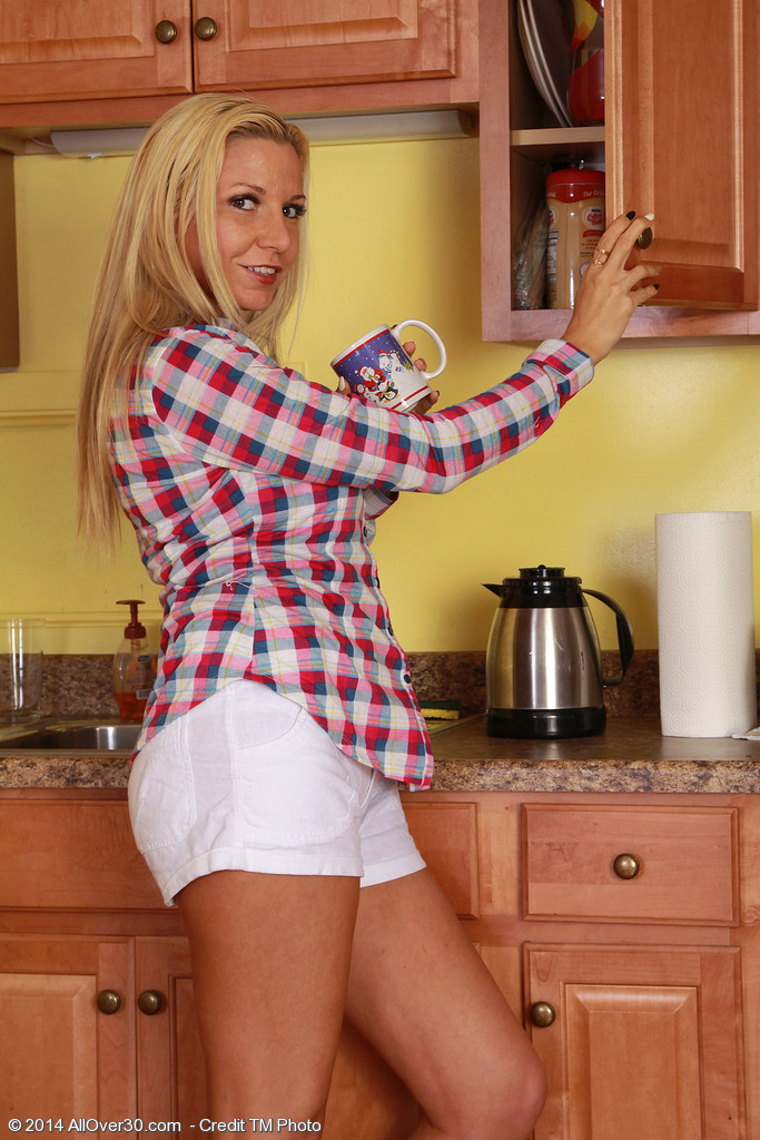 After Loving a Cup of Coffee Super Horny Jessica Taylor