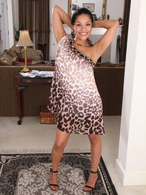 Exotic 32 Yea Old Veronica Hart Gliding Out-of Her Slick Elegant Dress