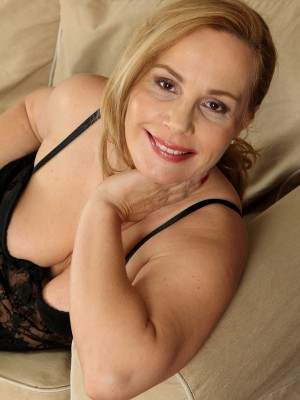 47 Yr Old Viky from  Milfs30 Enjoying Her Black Tights and Lace