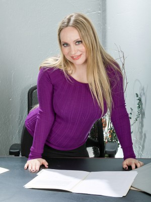 35 Yr Old Secretary Aiden Starr Disrobes Down in the Office in Office
