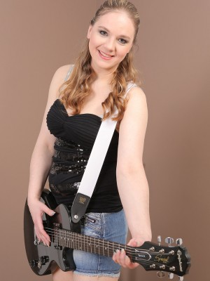 33 Year Old Niky Devine from  Milfs30 Poses  Nude along with her Guitar