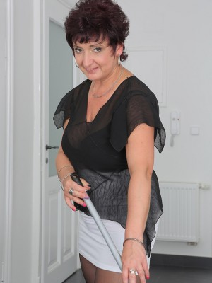 Beautiful 52 yr old  Wifey Jessica Insane Violates from Housework