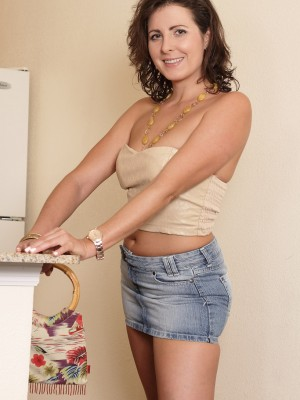 Magnificent  Brown Haired Milf Helena Rice Getting  Nude into the Laundry Room