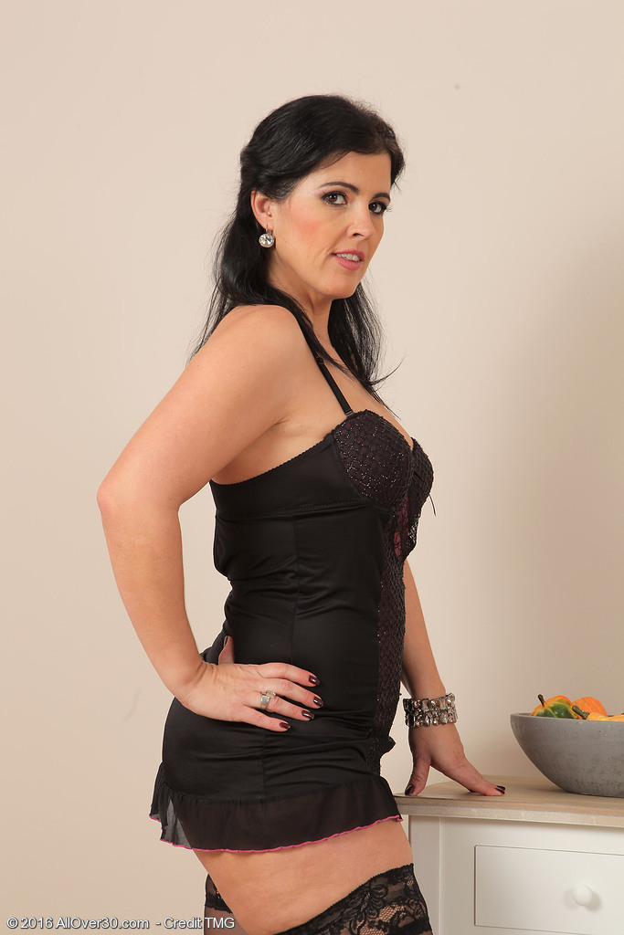 Curvaceous Cutie Montse Swinger will require from the lady