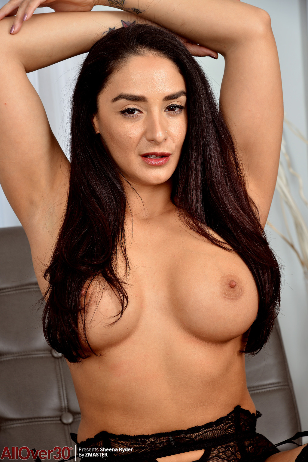 big-tits-beauty-sheena-ryder-10