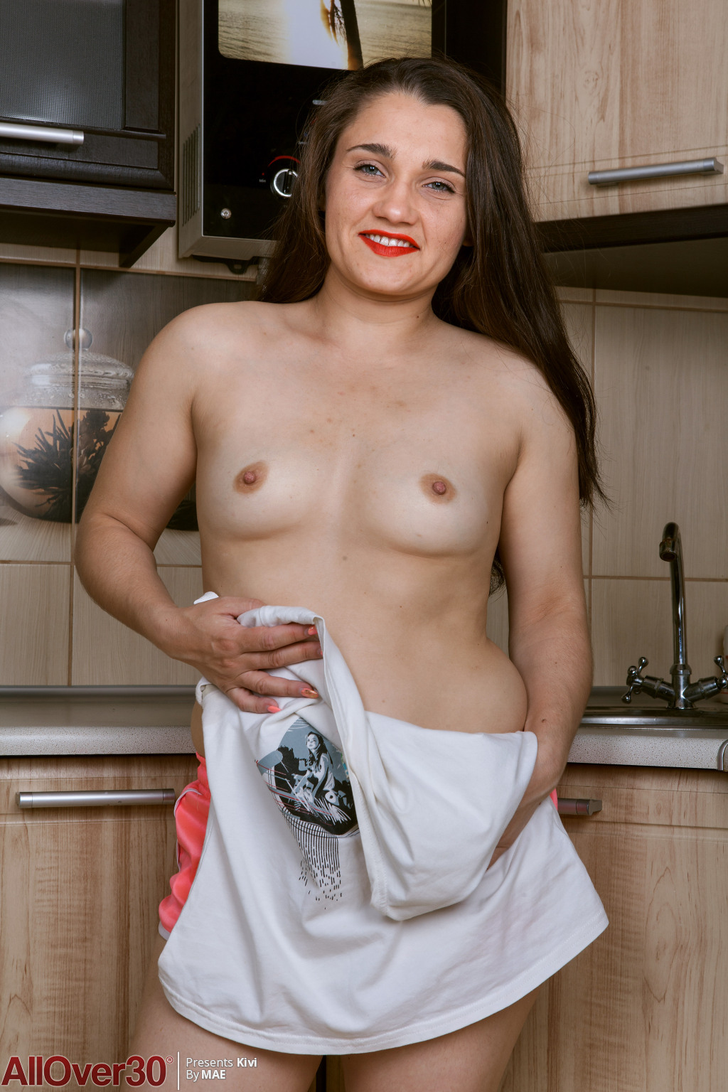 sexy-hairy-housewife-kivi-05