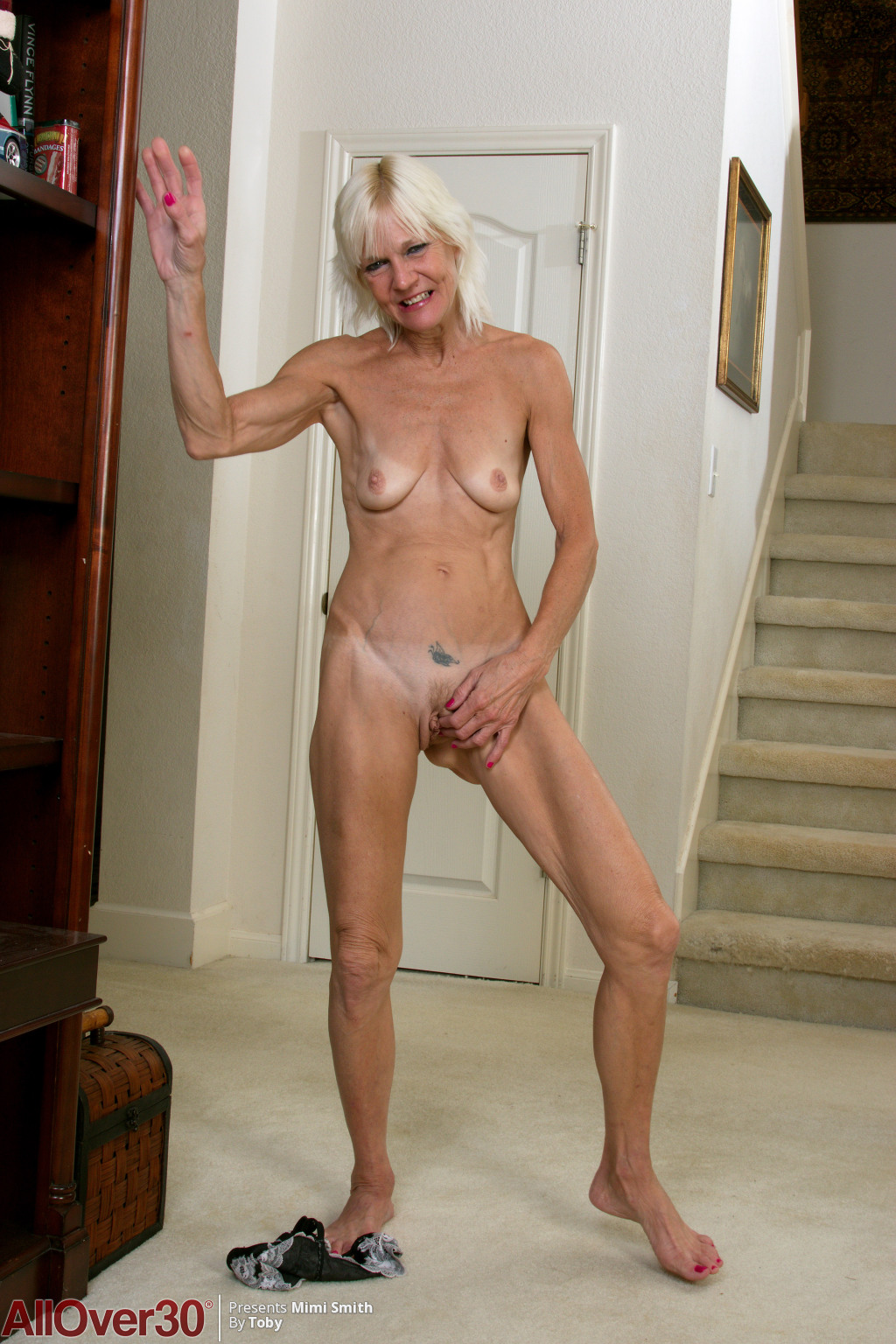 blonde-mature-babe-mimi-smith-10