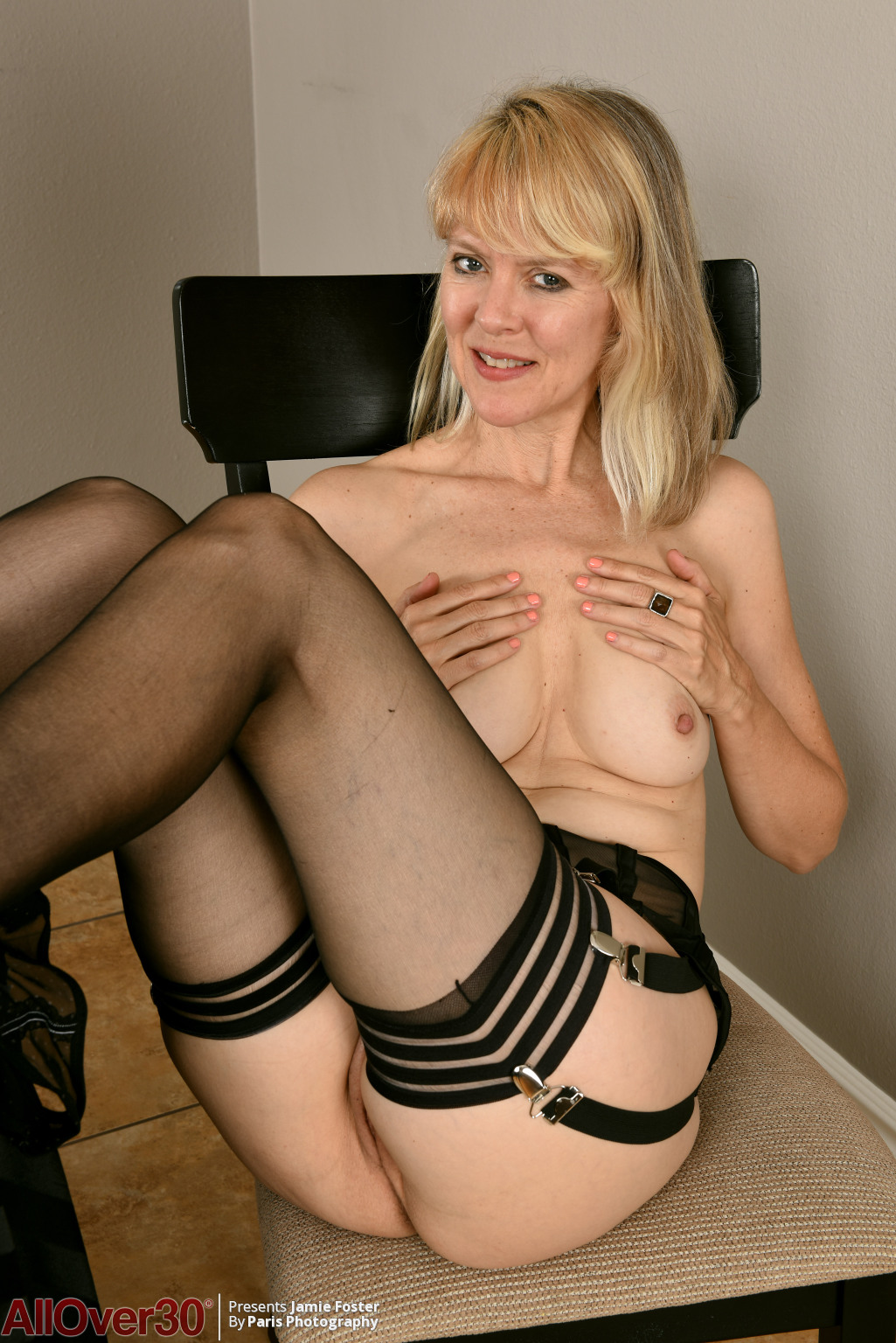 jamie-foster-sexy-stockings-14