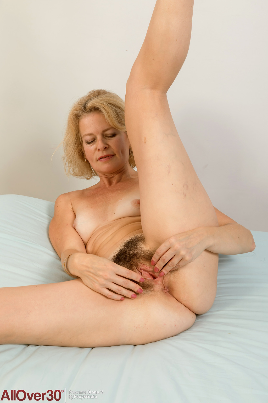 mature-hot-diana-v-11