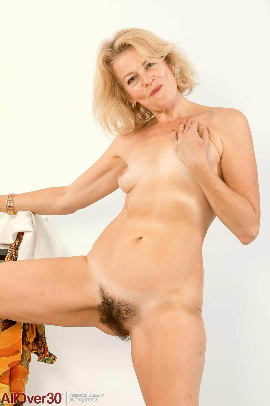 mature-hot-diana-v-14