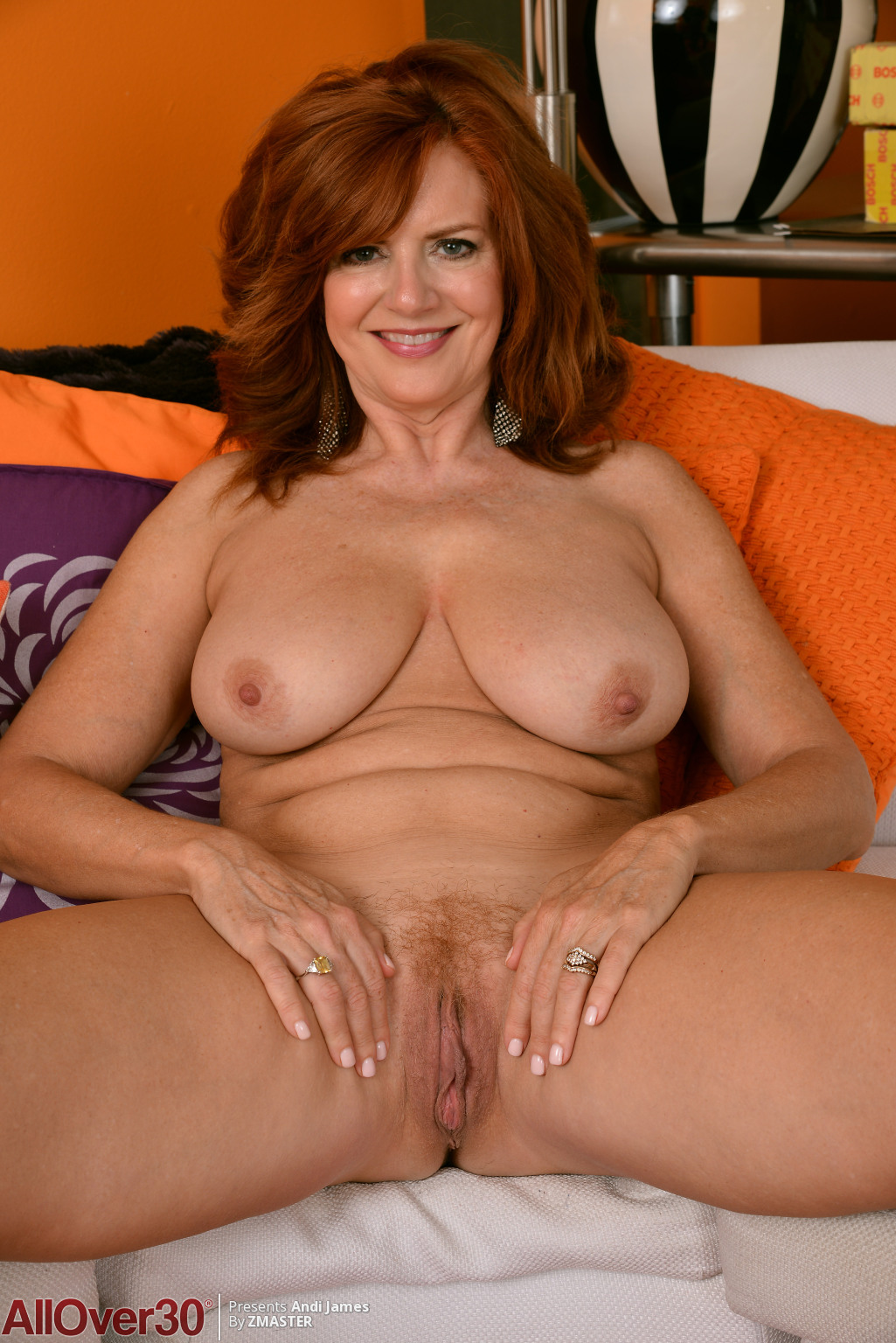 andi-james-redhead-in-yellow-15