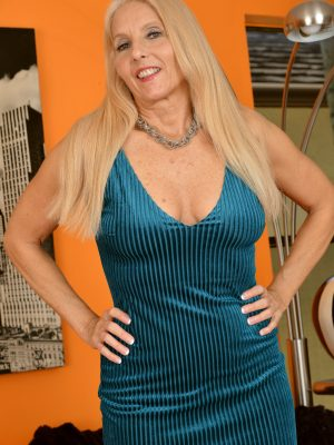 Chery Leigh Mature Blonde