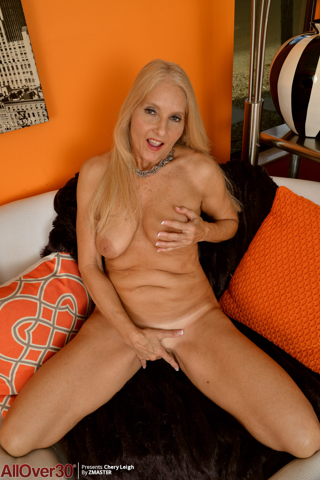 chery-leigh-mature-blonde-15