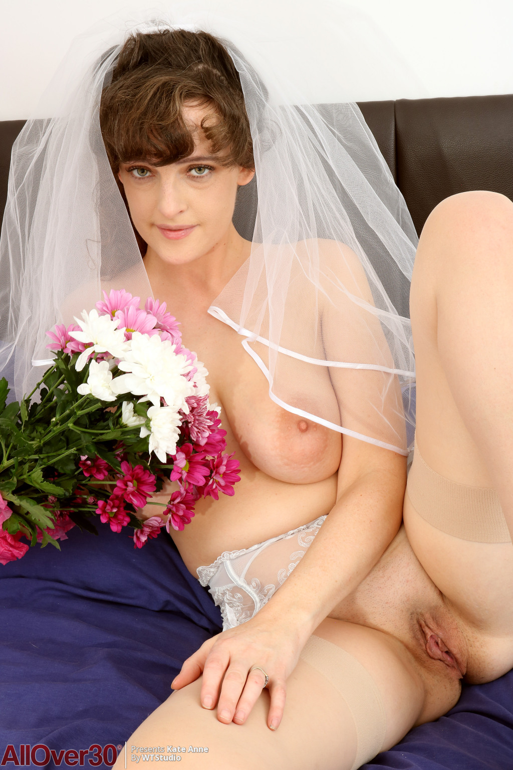 kate-anne-busty-bride-13