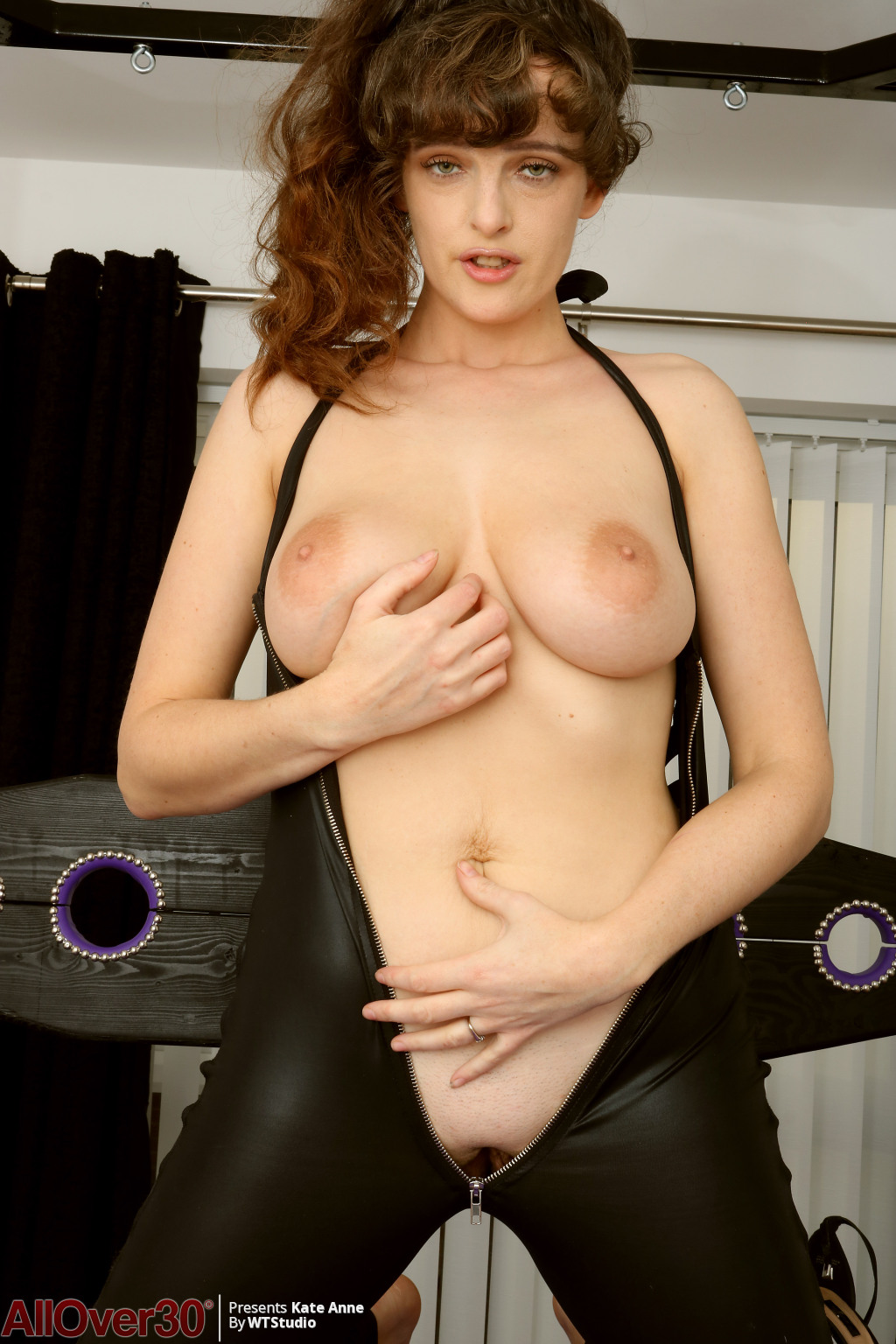 kate-anne-kinky-beautiful-busty-08