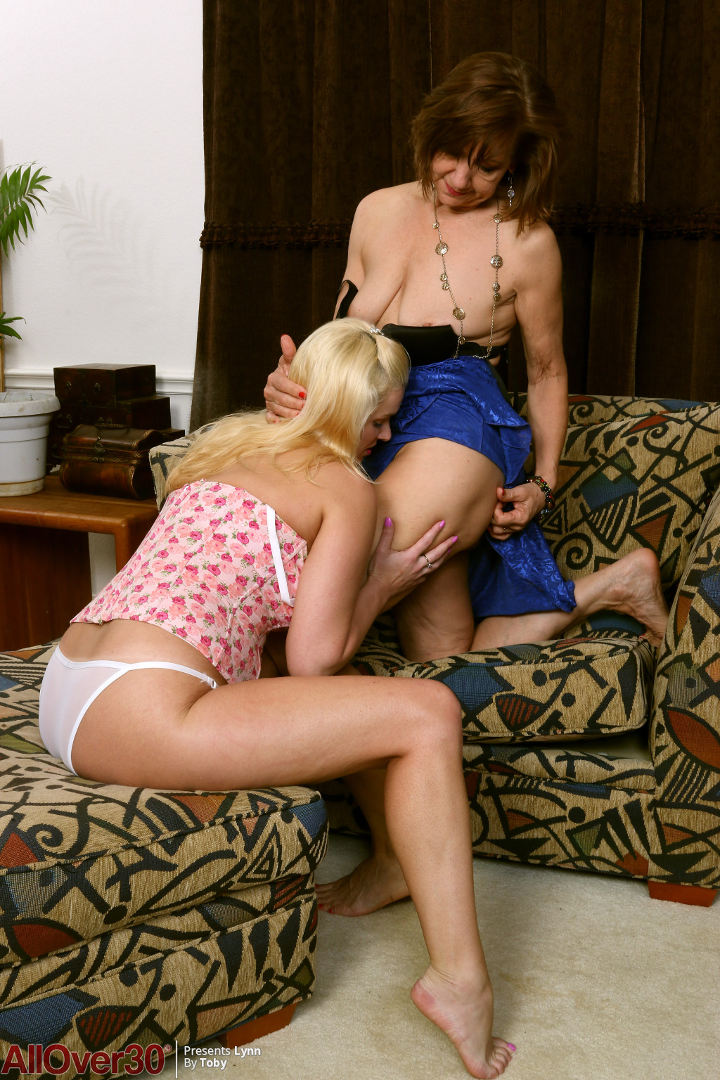 lynn-and-april-key-lesbian-lust-06