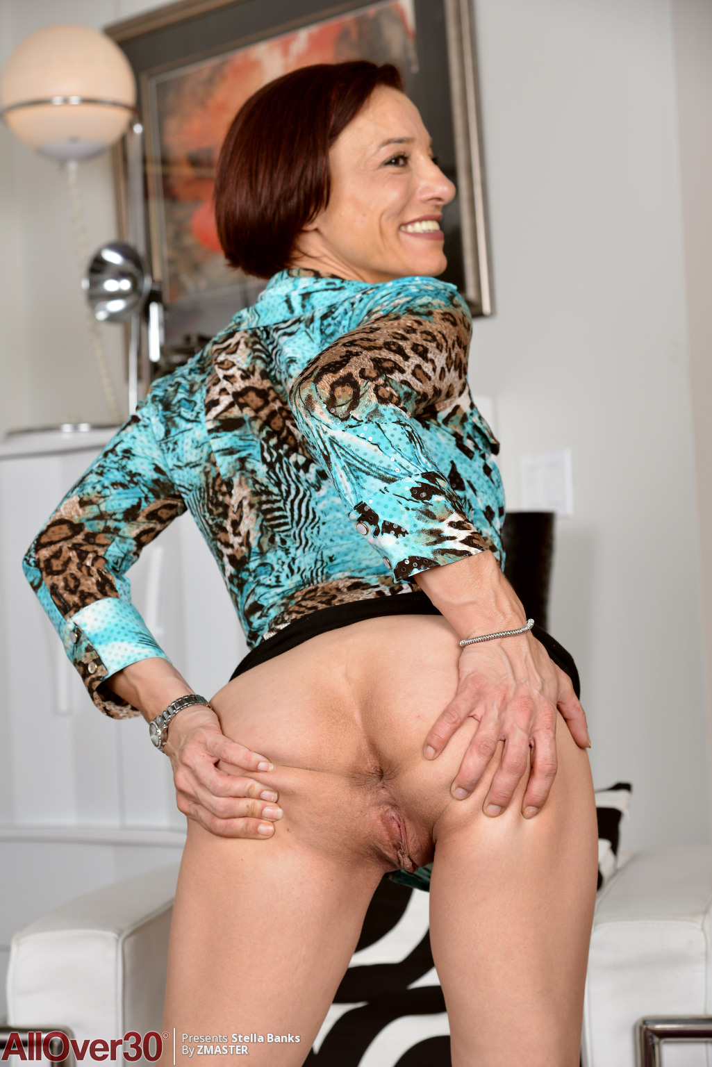 stella-banks-slender-mature-housewife-02