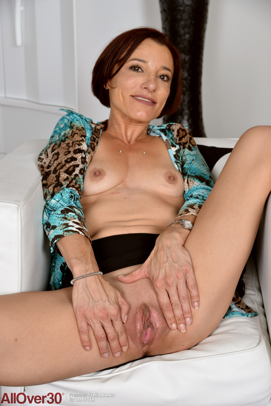 stella-banks-slender-mature-housewife-06