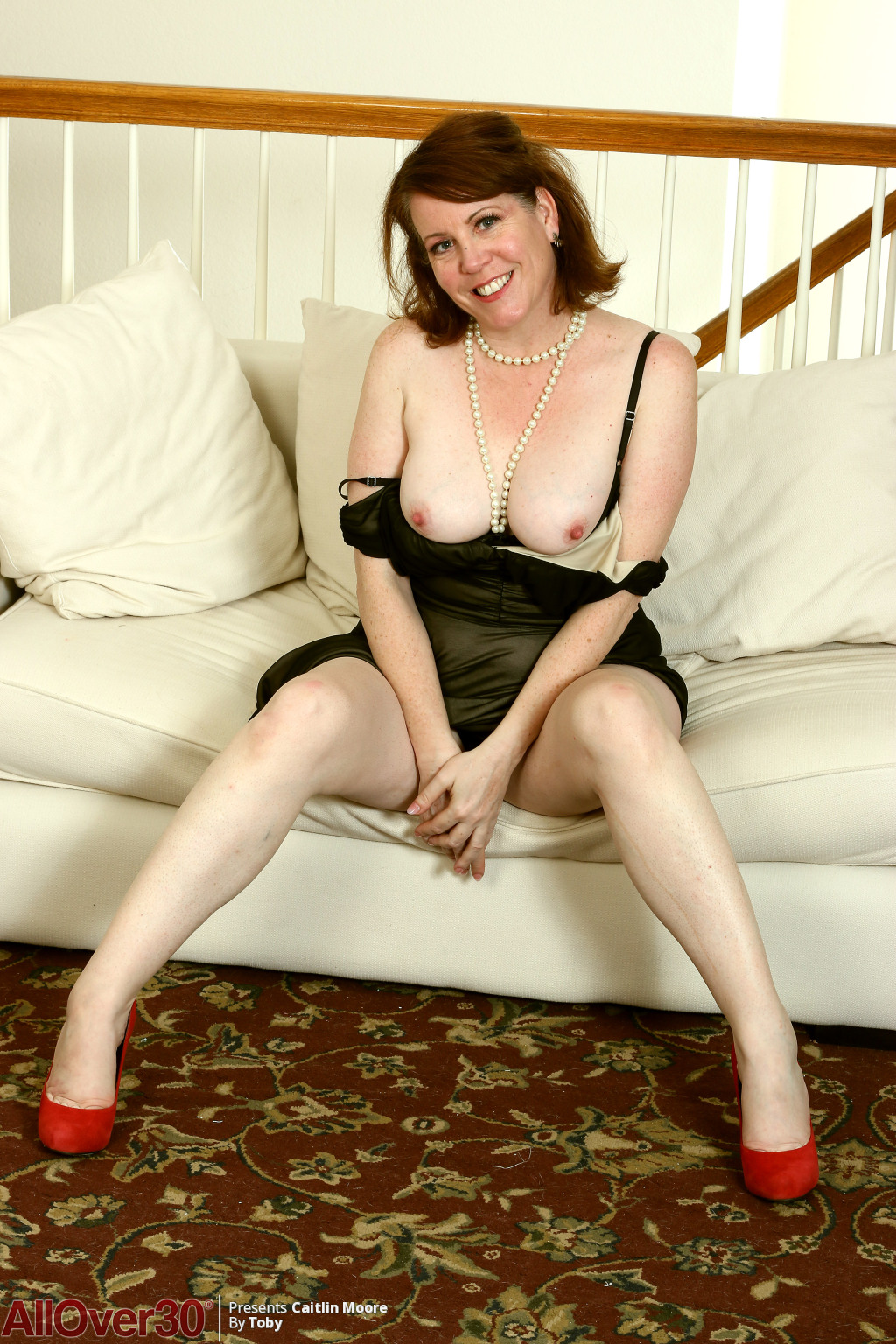 caitlin-moore-happy-and-sexy-04