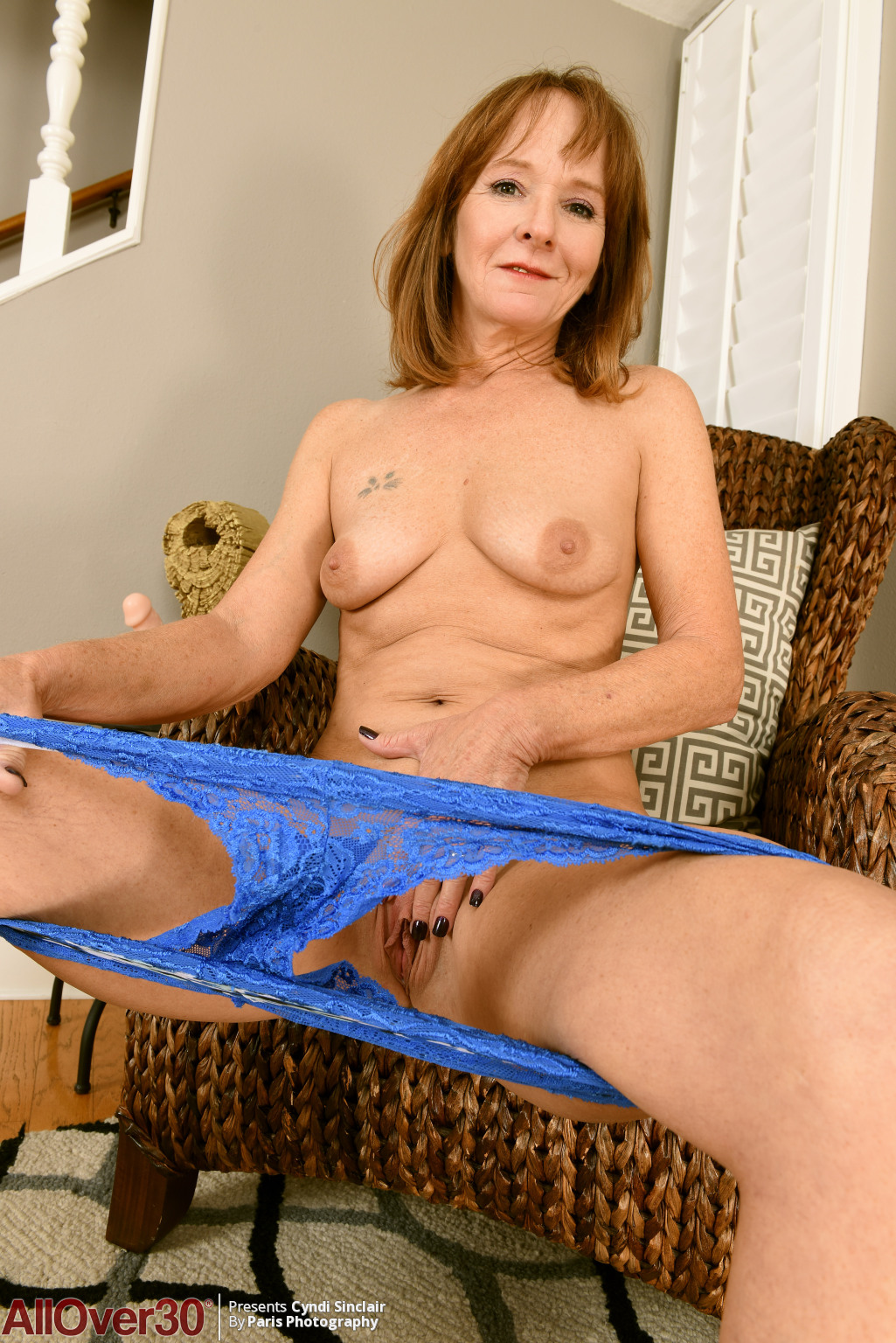 cyndi-sinclair-housewife-hotness-12
